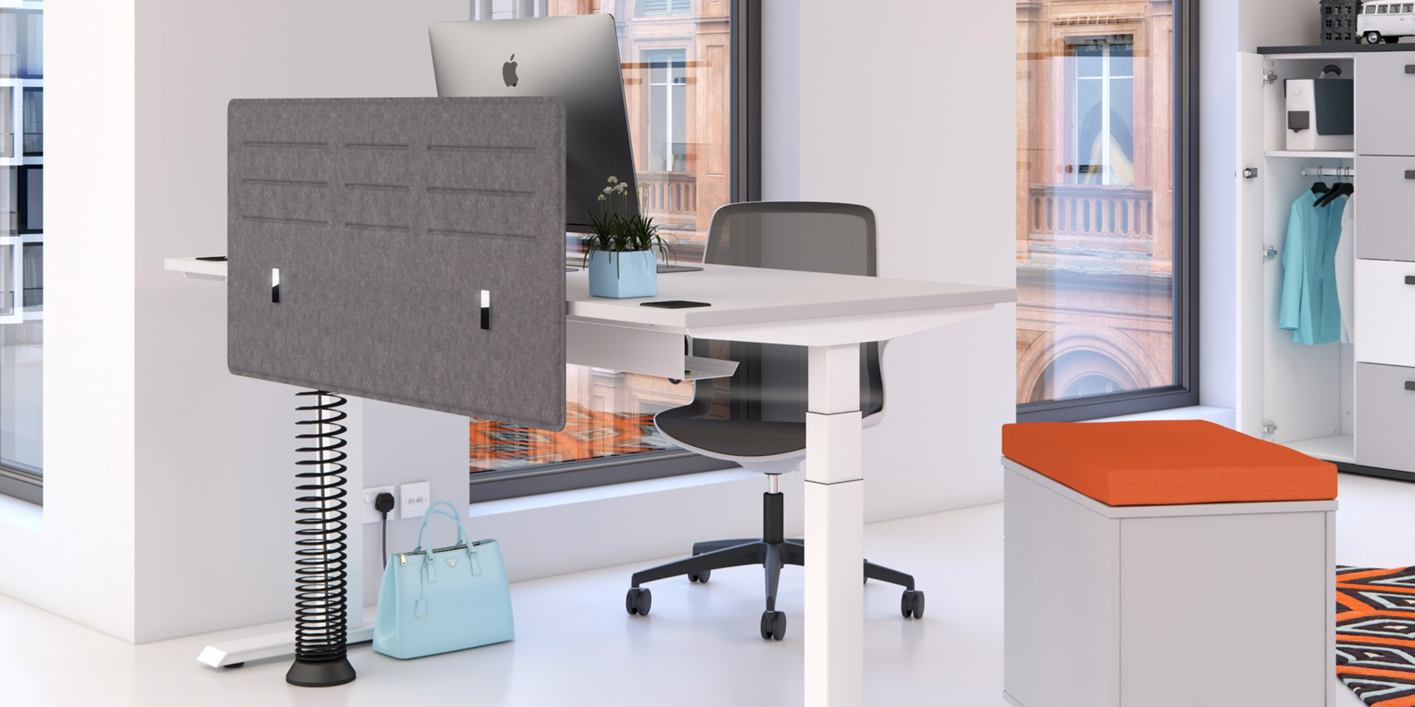 Blade Desk Mounted Screens Roomset